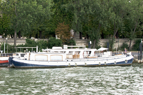 paris-houseboat-11