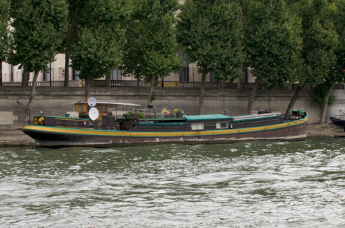 paris-houseboat-14