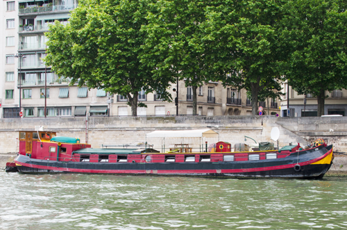 paris-houseboat-2