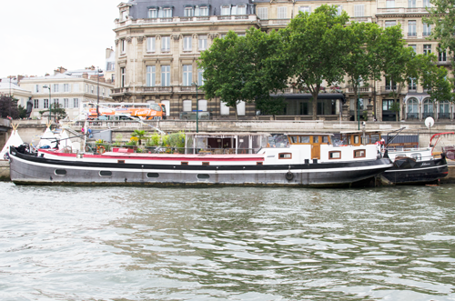 paris-houseboat-3